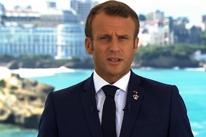 Macron faz pronunciamento em Biarritz, França, antes da cúpula do G7