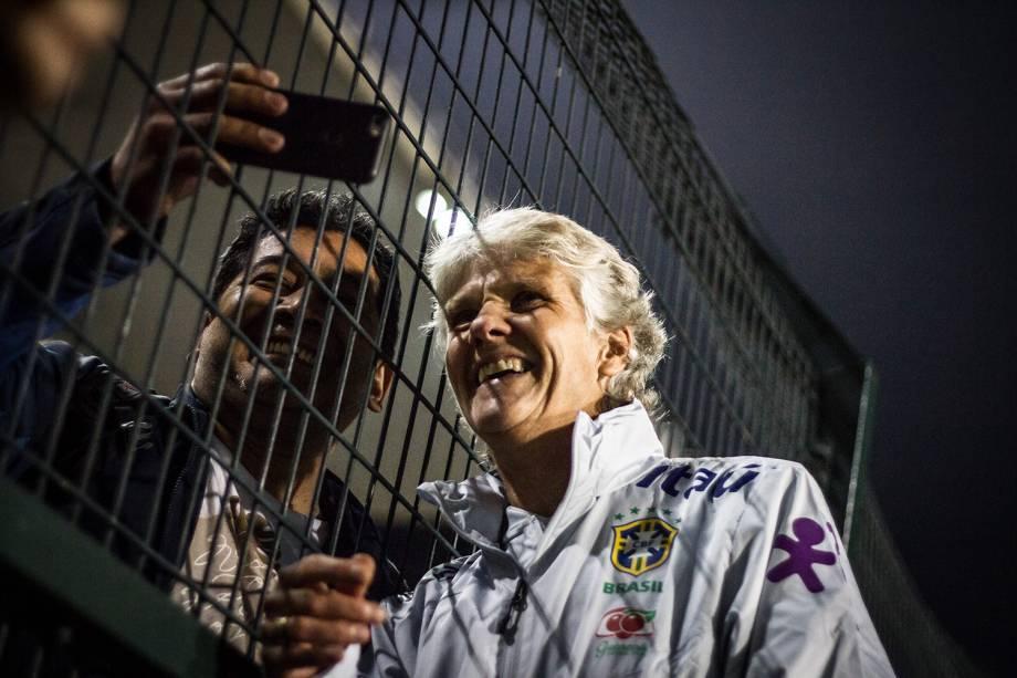 Pia, em 'selfie' com torcedor