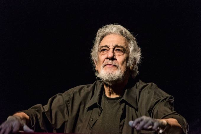 Placido Domingo conducts at a Metropolitan Opera Rehearsal