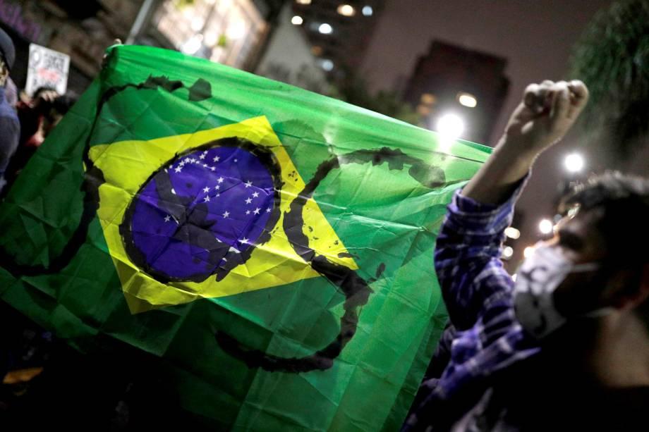 Protesto contra o governo Bolsonaro e em defesa da Amazônia reuniu milhares na Avenida Paulista, em São Paulo - 23/8/2019
