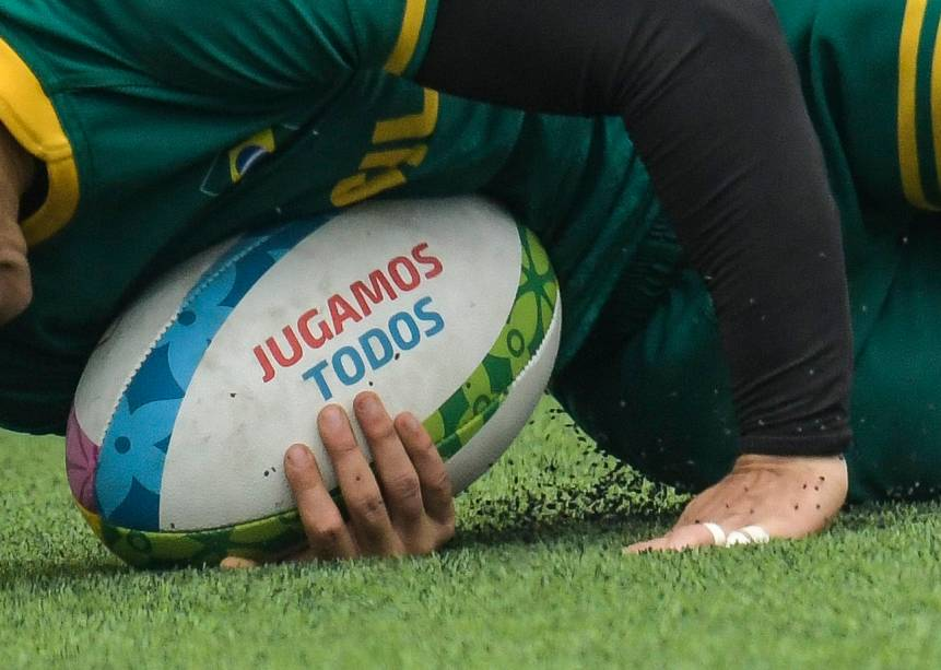 Isadora Cerullo, do Brasil, durante partida de rugby no complexo esportivo Vila Maria Del Triunfo, em Lima