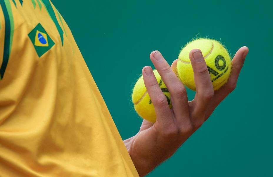 O brasileiro Thiago Wild em partida de tênis no Club Lawn Tennis, em Lima