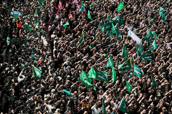 Shi'ite pilgrims gather during the religious festival of Ashura in the holy city of Kerbala