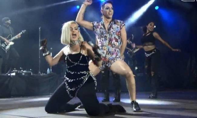 O Mineiro de Governador Valadares, Gustavo Fiuzza dançando com a cantora Bebe Rexha