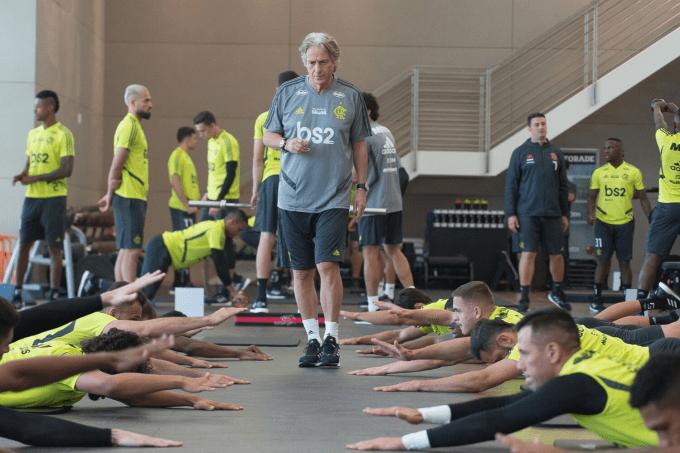 O treinador português de 65 anos, Jorge Fernando Pinheiro de Jesus – mais conhecido como Jorge Jesus – assumiu o time do Flamengo no início de junho de 2019, com duração de um ano