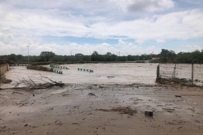 Ciclone tropical Fernand causa prejuízo no estado de Nuevo León, no México