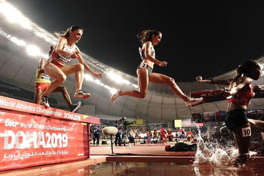 Gesa Felicitas Krause, da Alemanha, durante prova de qualificação com obstáculo aquático