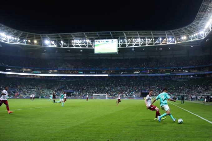 Jogo entre Palmeiras e Fluminense no Allianz Parque