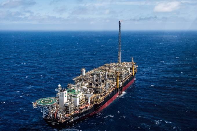 BRAZIL-OIL-PLATFORM-PRE-SALT-ITAGUAI