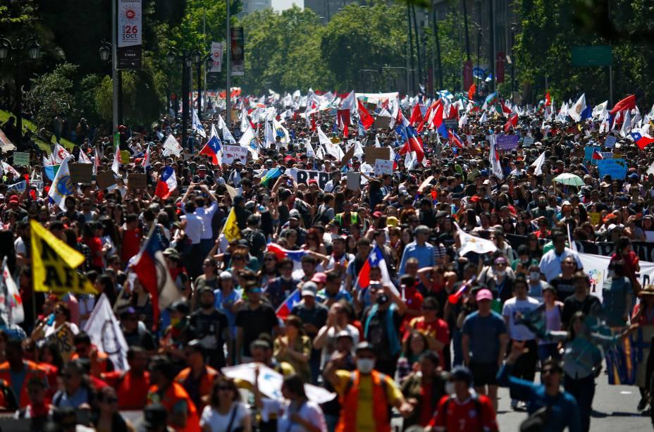 Protestos em Santiago: 67% da população insatisfeita com condições de vida - 23/10/2019