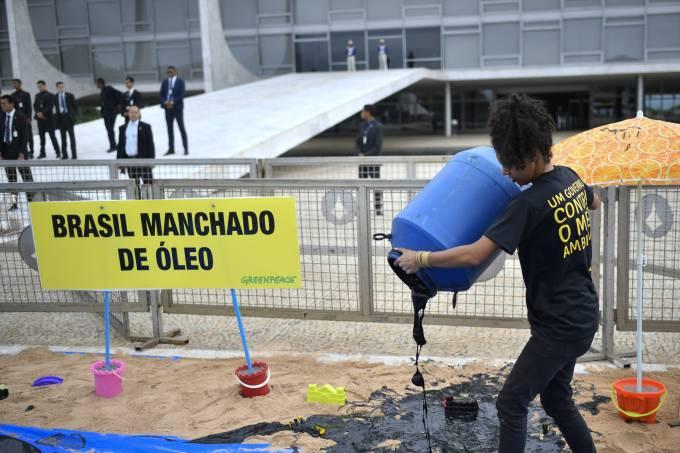 Greenpeace protesta em frente ao Palácio do Planalto