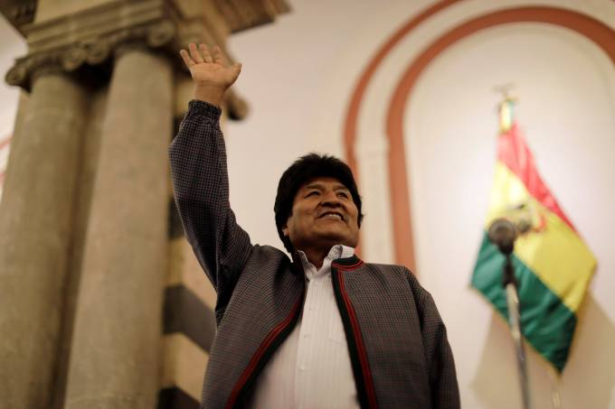 Evo Morales reage aos resultados da apuração da eleição presidencial em La Paz