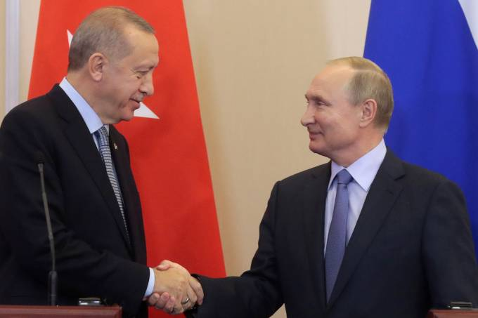 Russian President Vladimir Putin meets with Turkish President Recep Tayyip Erdogan in Sochi