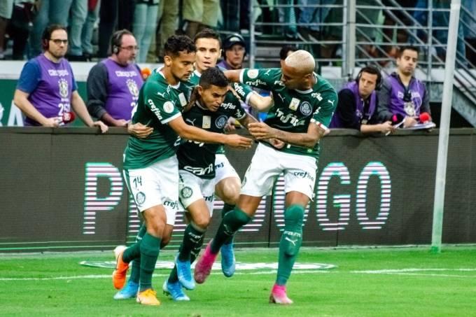 Dudu comemora gol de empate contra Atlético-MG