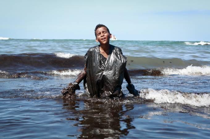 Everton Miguel dos Anjos, 13 – Mancha de óleo em praias de Santo Agostinho