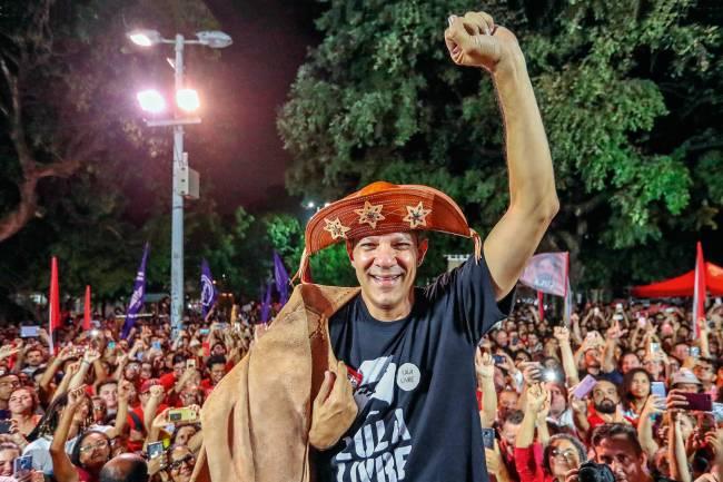 CAMPANHA - Fernando Haddad: nome oficial do PT, mas fará o que Lula mandar