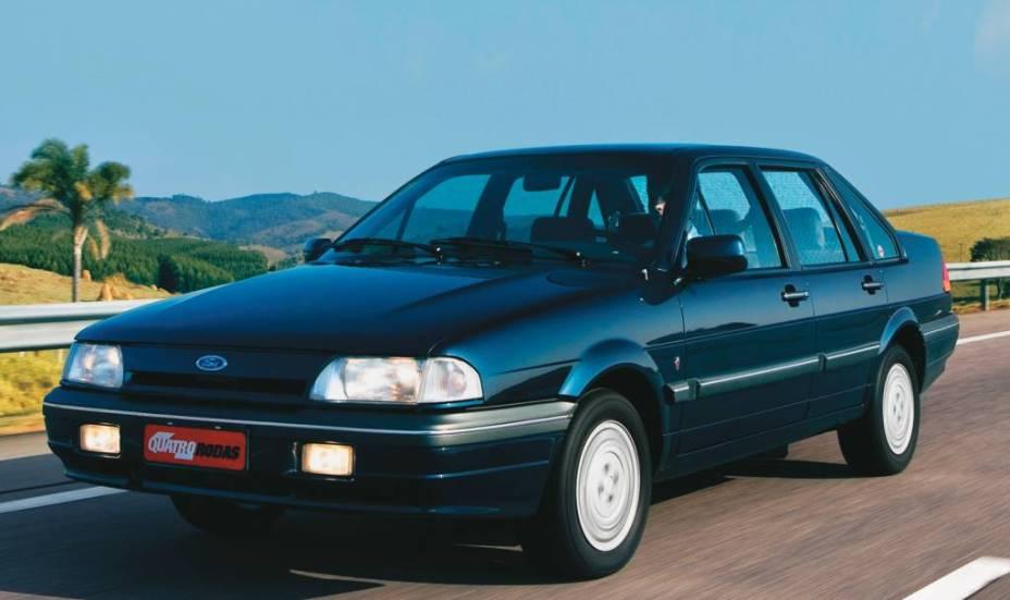 Ford Versailles Ghia, de 1991.