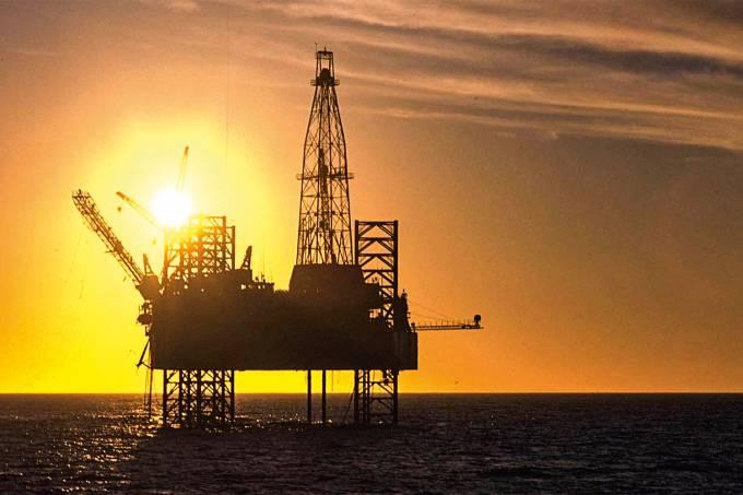 Garoupa, plataforma de petróleo da Petrobras, na Bacia de Campos