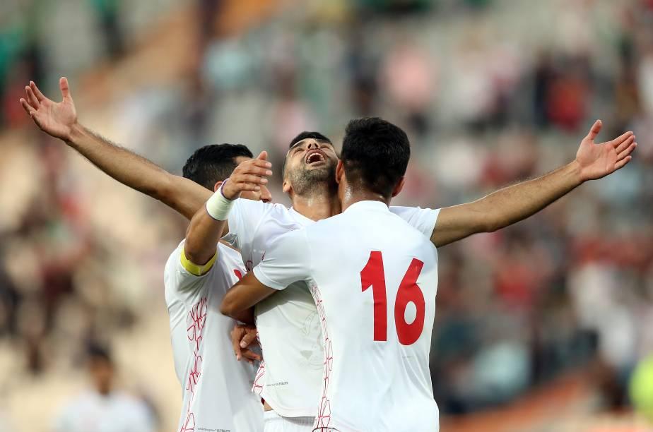Com o estádio em festa, o time iraniano goleou o adversário por 14 a 0. Na foto, Mehdi Taremi comemora o terceiro gol