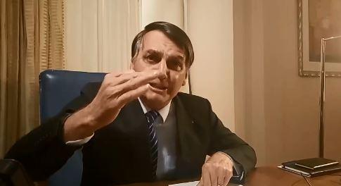 Presidente Jair Bolsonaro em live no Facebook