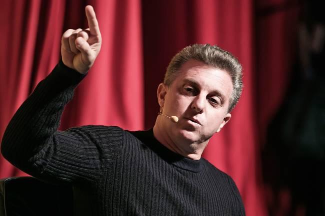 PROMISSOR - O apresentador Luciano Huck: conversas políticas constantes