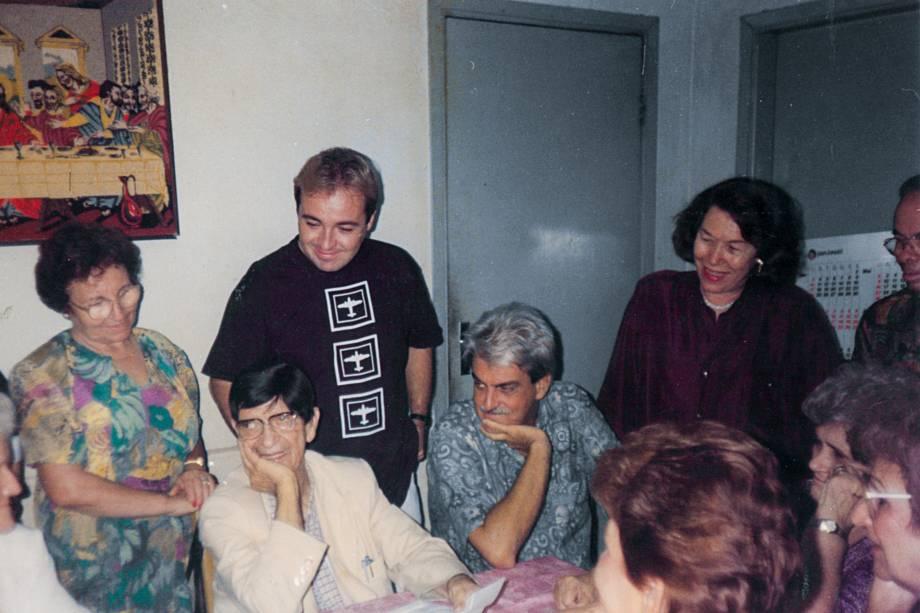 Gugu com a mãe, dona Maria, e Chico Xavier em Uberaba, 1993