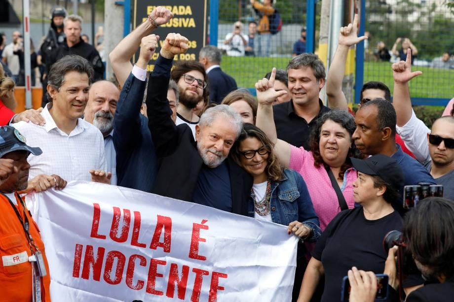 Lula sai da prisão, em Curitiba