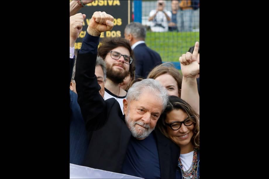 """Lula ao lado de sua namorada, Rosangela, conhecida como""""Janja"""", em Curitiba"""