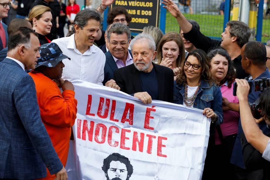 """Lula, Fernando Haddad e sua namorada Rosangela, a 'Janja"""", em Curitiba"""
