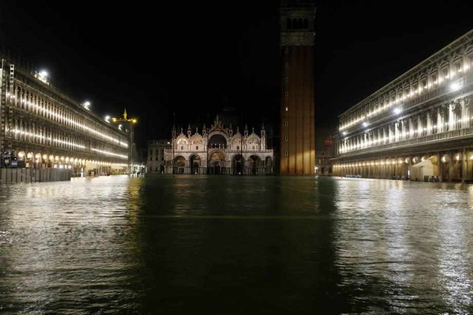 A praça de São marcos, inundada, Veneza, Itália - 12/11/2019