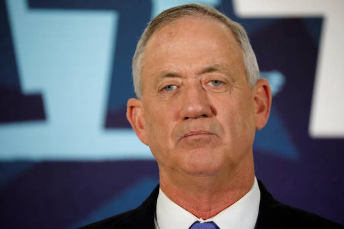 Benny Gantz, head of Blue and White party, delivers a statement in Tel Aviv