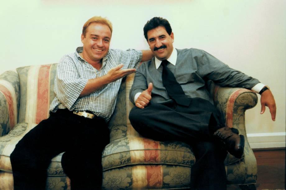 Gugu com o apresentador Ratinho, durante um jantar de negócios em sua residência, Aldeia da Serra-SP
