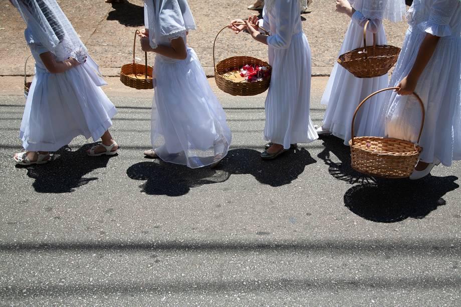 SAO PAULO, SP, BRASIL - 27/10/2019 - Missa Tridentina na Capela São Pio X, na Vila Mariana. A cerimônia, que reúne católicos tradicionalistas, foi seguida de procissão pelas ruas do bairro.