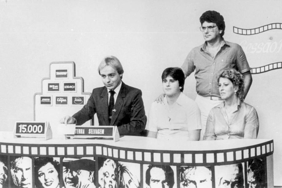 """Gugu apresentando o """"Sessão Premiada"""", na TVS, em 1997"""