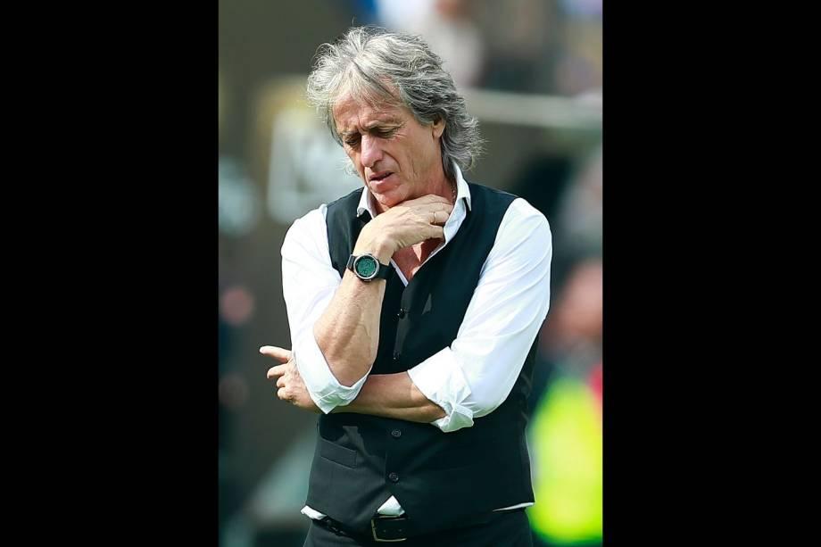 O português Jorge Jesus lamenta o primeiro gol marcado pelo River Plate