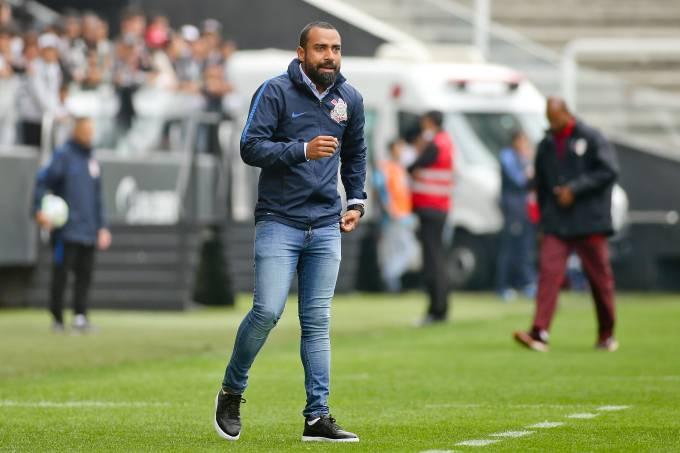 Ex-jogador Coelho será o treinador do Corinthians na partida