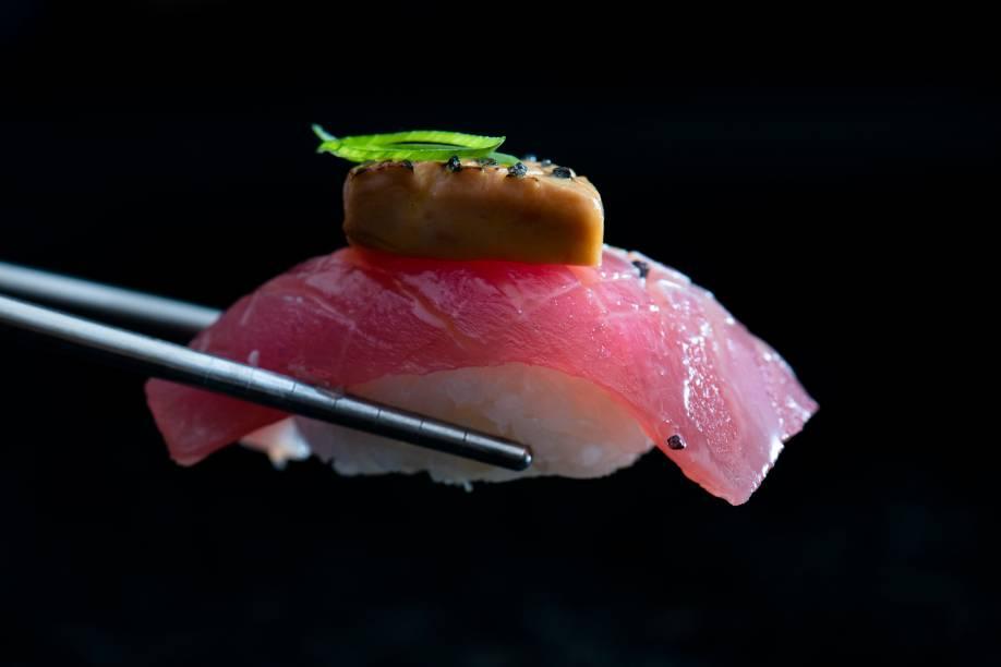 Atum com foie gras: parte do combinado da tati
