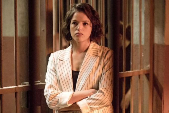 Agatha Moreira no papel de Jô