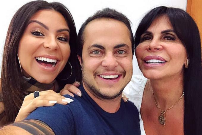 Gretchen com seu filho Thammy e a nora Andressa Ferreira