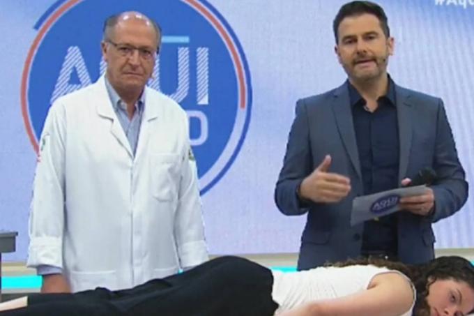 Geraldo Alckmin aplica uma sessão de acupuntura no programa 'Aqui Na Band'