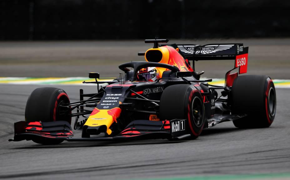 O holandês Max Verstappen, da Red Bull, em ação no autódromo de Interlagos