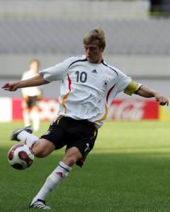 Toni Kroos em ação no Mundial Sub-17 de 2007