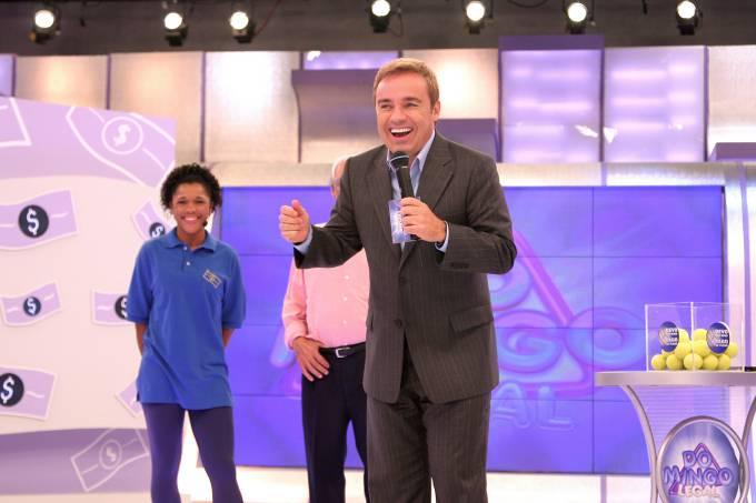 "Gugu Liberato apresentando o programa ""Domingo Legal"", do SBT."