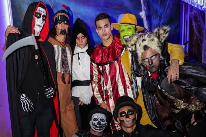 Jogadores do PSG em festa de Halloween