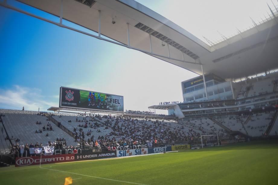 Torcida começa a marcar presença para o confronto desta tarde, na Arena Corinthians