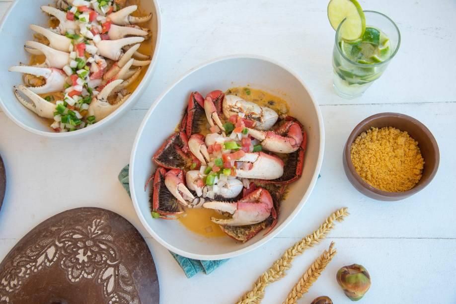 Patolas de caranguejo e o mesmo crustáceo em caldo feito com leite de coco e especiarias: os trunfos da casa