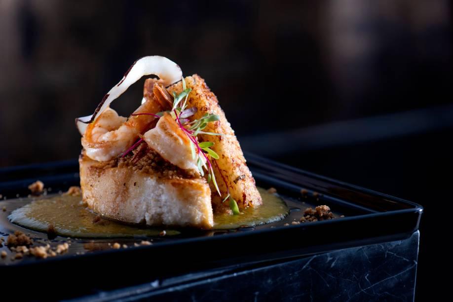 Sirigado e camarões com crumble de coco e stick de tapioca: um dos destaques do menu