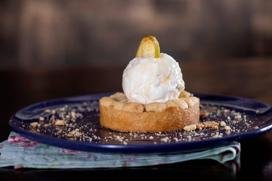Para encerrar a refeição: tarte de maçã com crumble de iogurte e mel