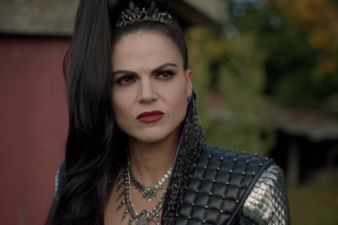Lana Parrilla se emocionou ao rever a cena em que Regina se despede da Rainha má na CCXP