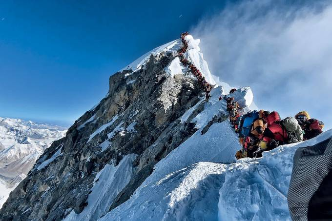 EVEREST-FILA-2019-12.jpg